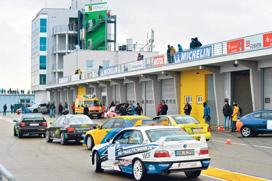 Damit die Winterpause nicht langweilig wird: Rallyesportler testeten auf der Sachsen-Strecke ihre Wagen.