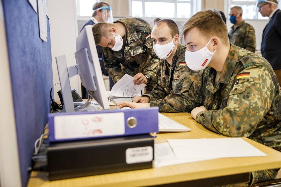 Soldaten der Bundeswehr unterstützten bereits unter anderem das Gesundheitsamt in Berlin-Mitte in der Corona-Krise.