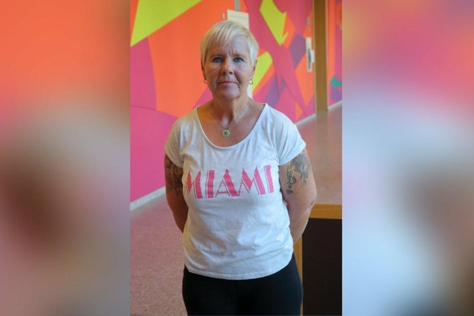 Bettina S. (55) bekam einen Schlag mit einer Metallstange ab.