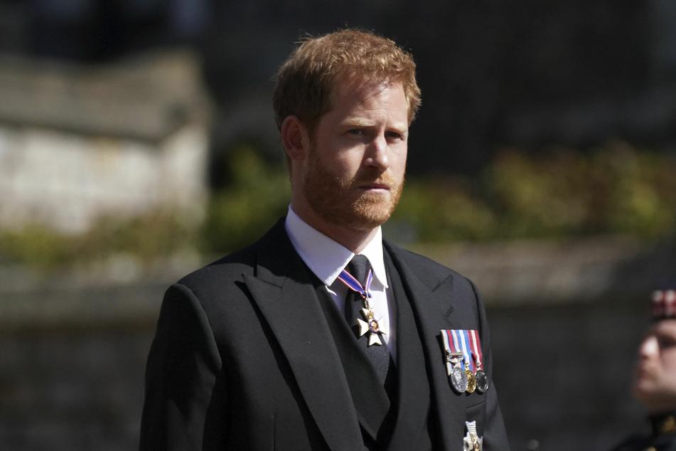 Prinz Harry (36) beim Trauermarsch für seinen Großvater Prinz Philip (†99) am Samstag. Er befindet sich weiterhin in London.