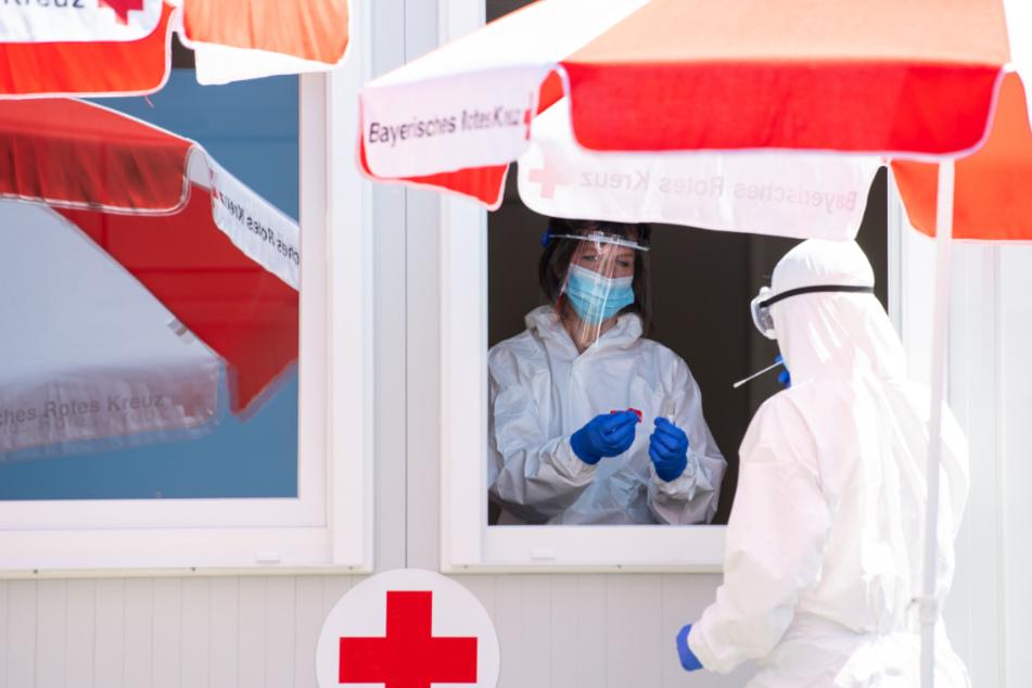 Corona in Bayern: Regierung hält an Teststrategie fest