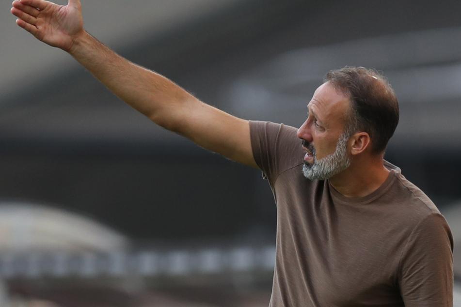 VfB-Coach Pellegrino Matarazzo (43) ließ auf der Pressekonferenz seinem Ärger freien Lauf.