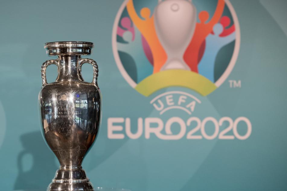 Der EM-Pokal aufgenommen während der Präsentation des Logos für die Fußball-Europameisterschaft 2020.