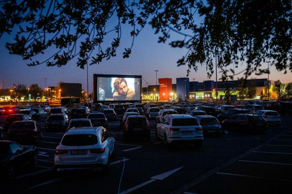 Ab diesem Sonntag gibt es im Autokino nicht mehr nur Filme zu sehen. Das Programm wird erweitert.