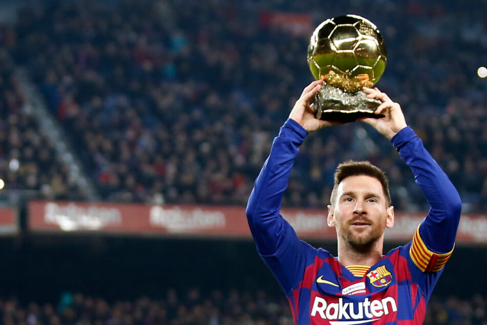 Lionel Messi asks to leave FC Barcelona on free transfer after 20 years at the club