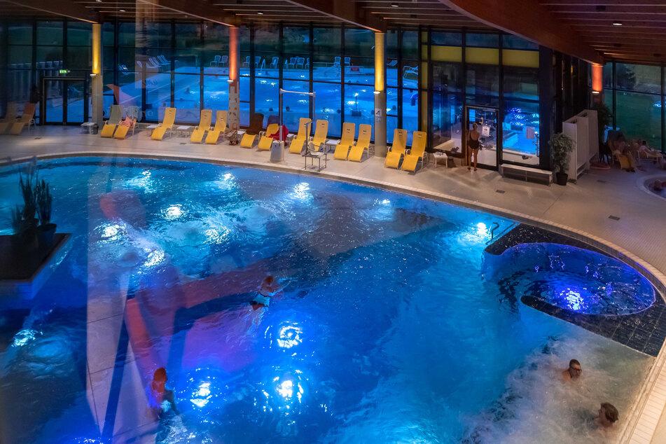 Für Badegäste soll ein neues Becken mit Sole zum Schweben entstehen.