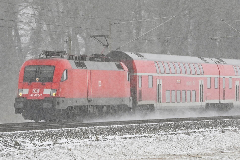 Keine Züge nach Tirol und Tschechien! Deutsche Bahn stellt Regional- und Fernverkehr ein