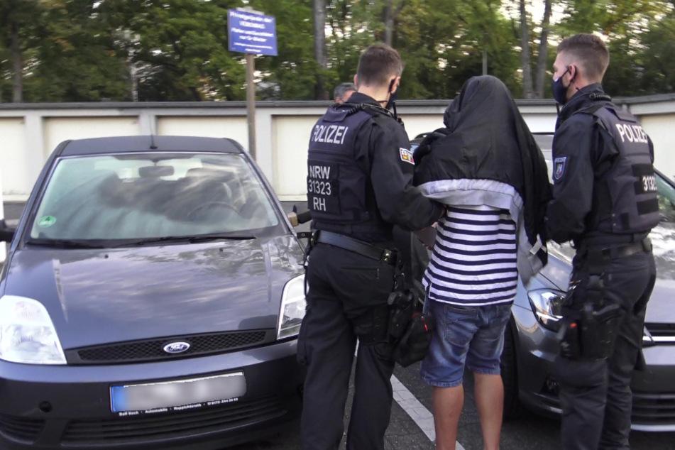 Drogen, Waffen, Geld in Hülle und Fülle: Riesen Razzia-Erfolg in Bonn