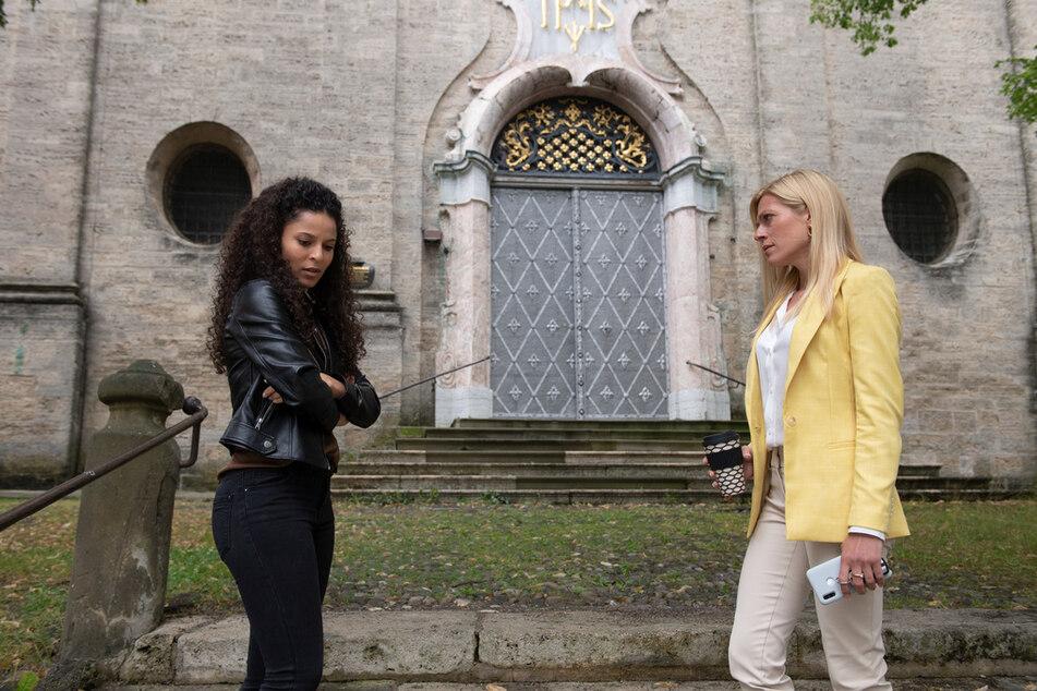 """Nachfolgerin von """"Alex"""" Patricia Meeden (34) war jüngst mit Nele Kiper, (r.) in der ZDF-Serie """"Kanzlei Berger"""" zu sehen."""
