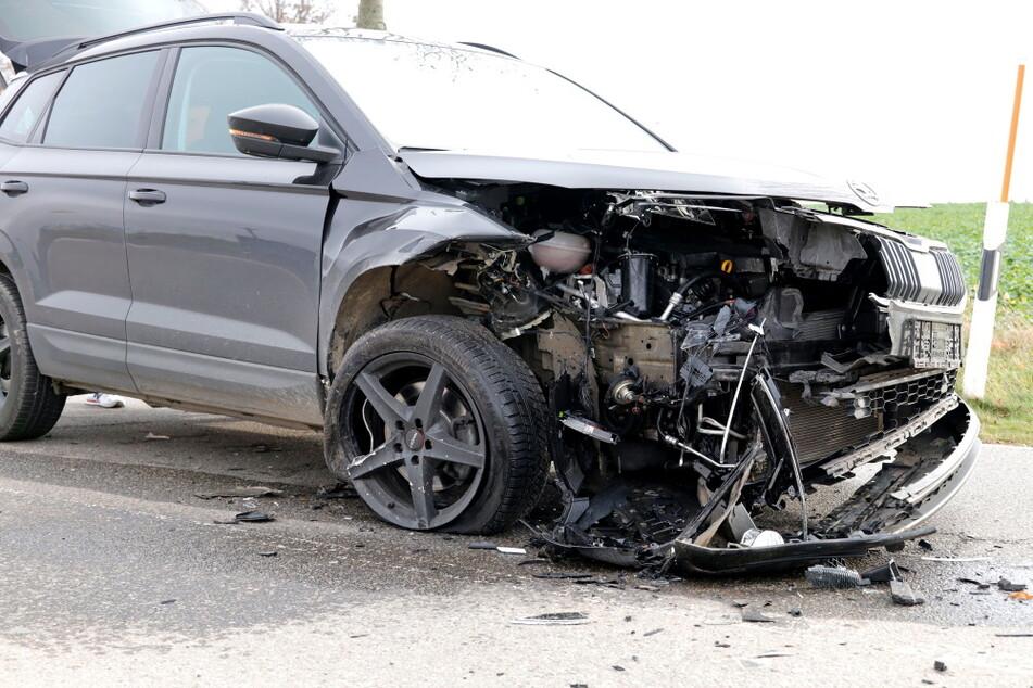 Heftiger Crash in Chemnitz: Totalschaden an beiden Fahrzeugen!