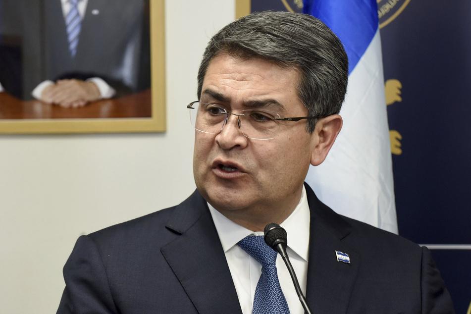 Juan Orlando Hernandez, Präsident von Honduras, spricht bei einer Veranstaltung. Der Präsident ist an Covid-19 erkrankt und hat sich in Isolation begeben.
