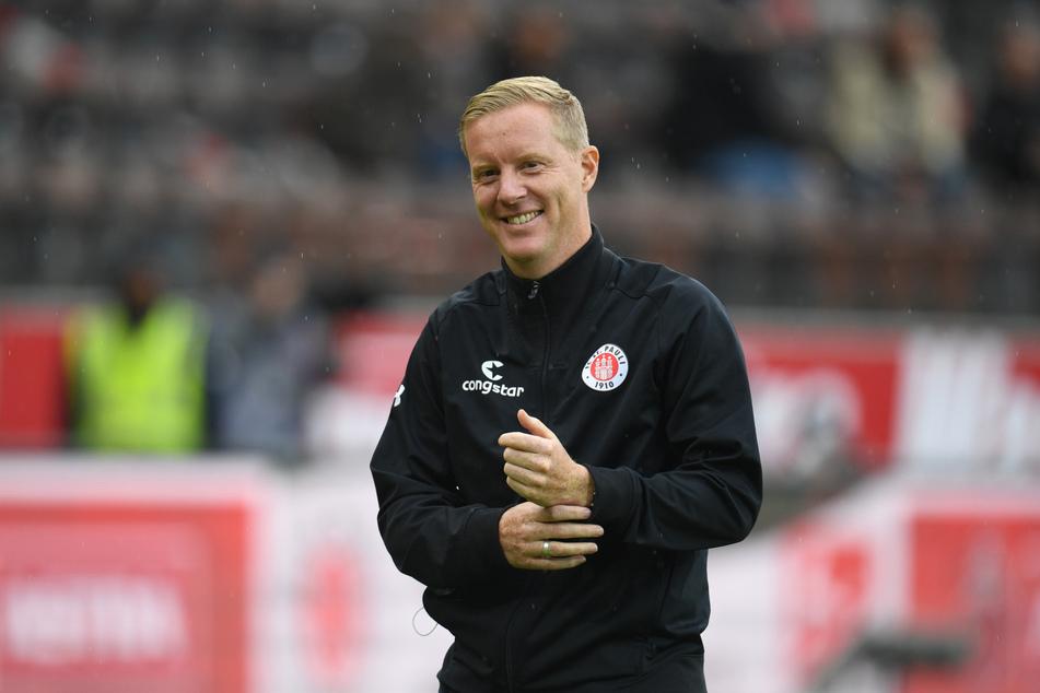 St. Pauli-Trainer Timo Schultz freute sich nach seinem ersten Heimspiel am Millerntor über die drei Punkte.