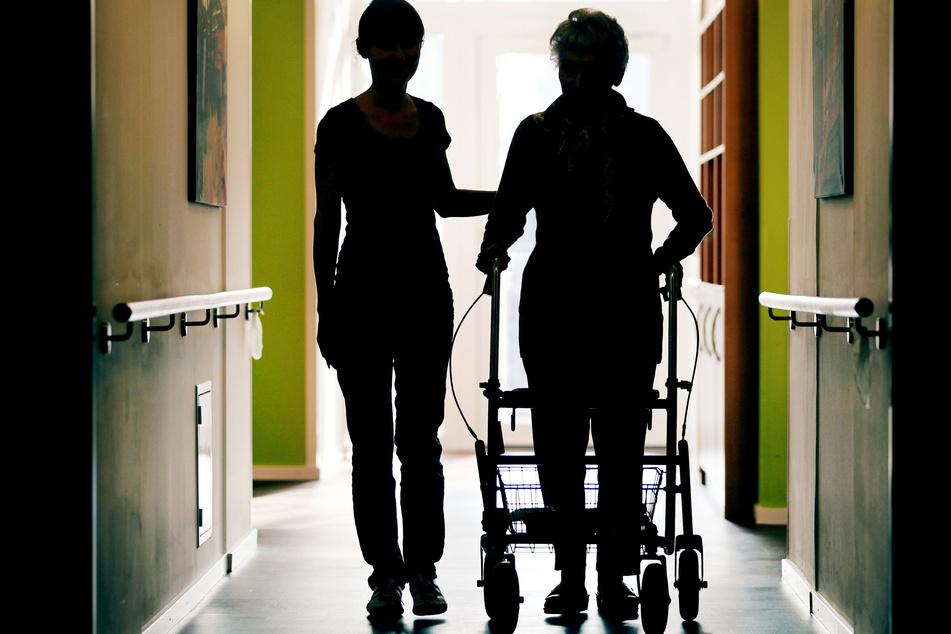Das betroffene Pflegeheim steht unter Quarantäne. (Symbolbild)