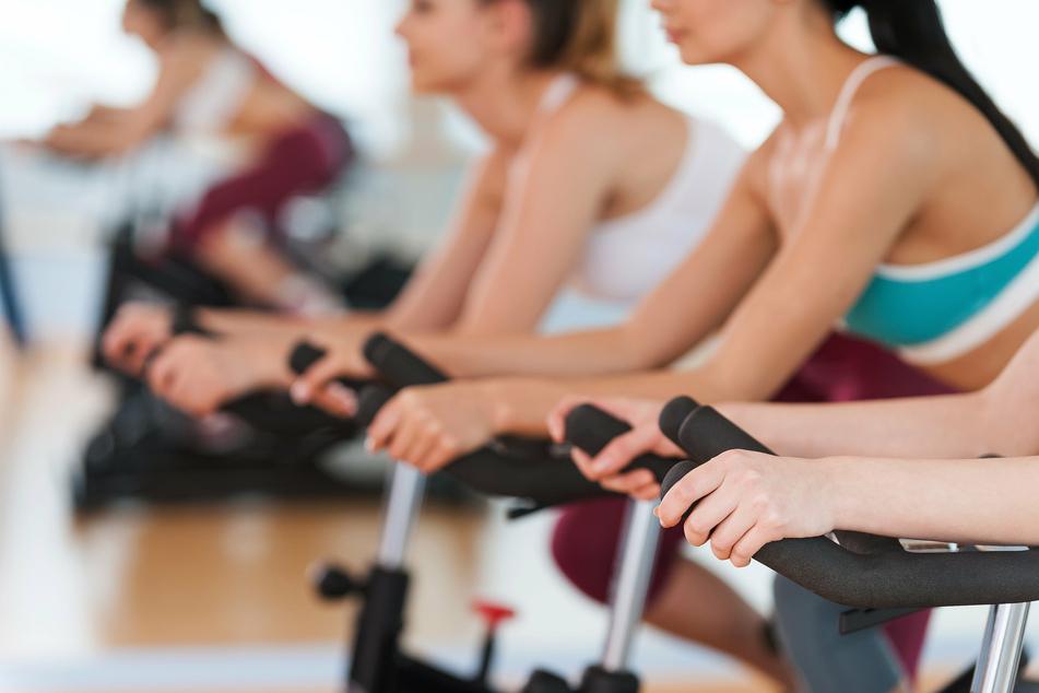 Das Tempo eines Liedes zu Trainingseinheiten wie Aerobic und Indoor-Cycling darf 120 Beats pro Minute nicht übersteigen. (Symbolbild)