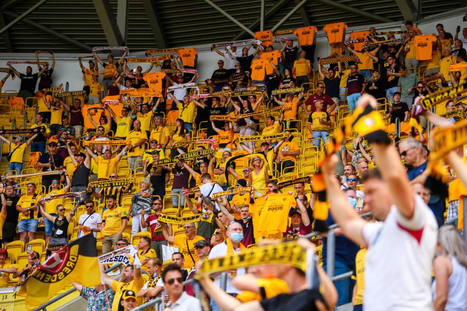 Endlich wieder Dynamo-Fans im Rudolf-Harbig-Stadion!