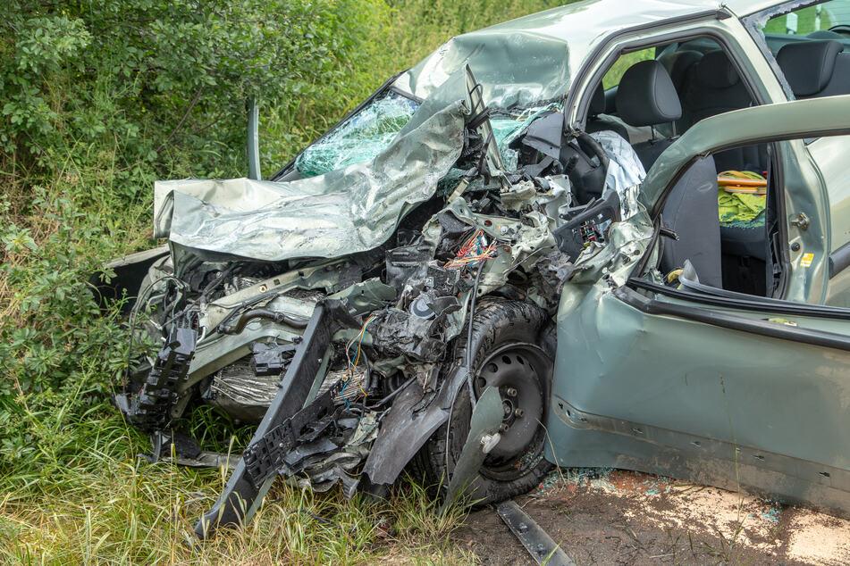 Die Fahrerin des Renault verstarb im Krankenhaus.