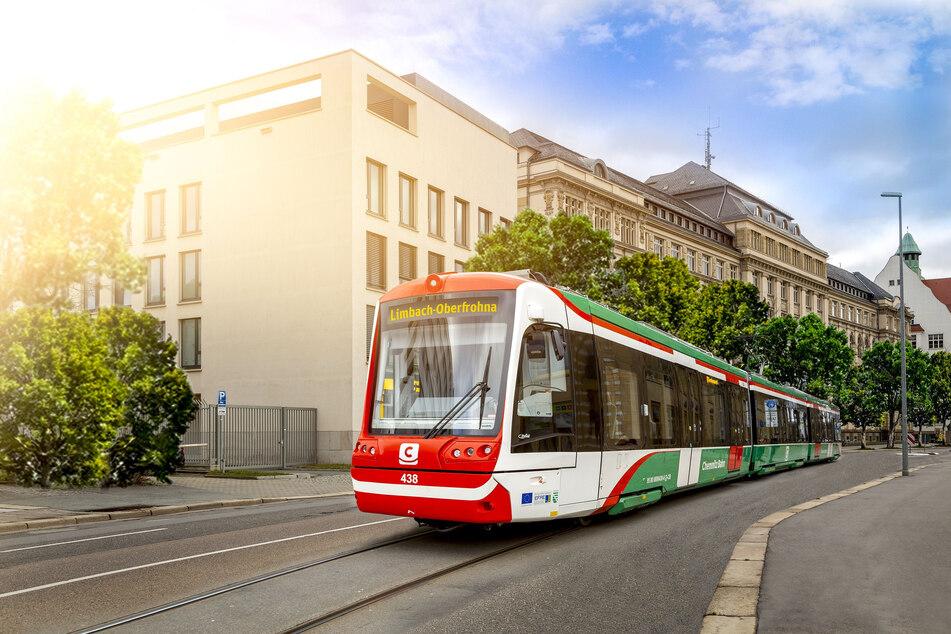Noch ist das Zukunftsmusik: Eine City-Bahn fährt am Polizeipräsidium in der Hartmannstraße vorbei.
