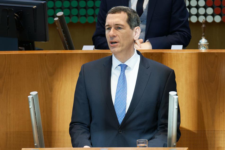 Sprecher der CDU-Fraktion, Jens Kamieth, hat ein klares Ziel für die Corona-Impfungen formuliert.