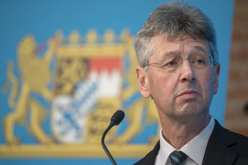 Bayerns Kultusminister Michael Piazolo wirbt für die Impfung der Kinder ab 12 Jahren.