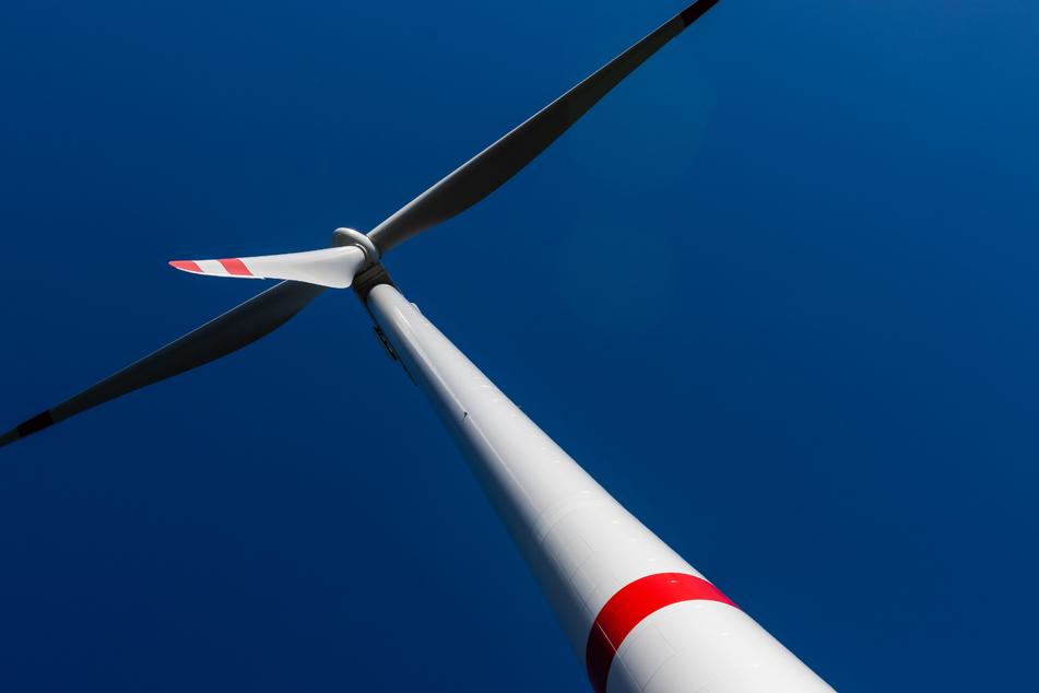Drei Windenergieanlagen haben eine jährliche Leistung von mehr als 30.000 Megawattstunden.