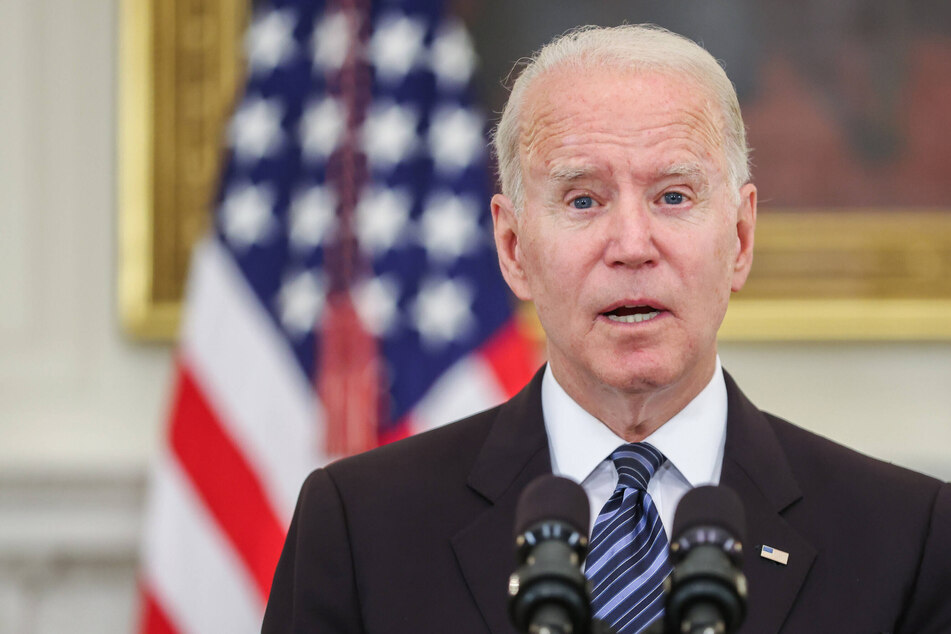 Bipartisan group of lawmakers set to present infrastructure agreement to President Biden