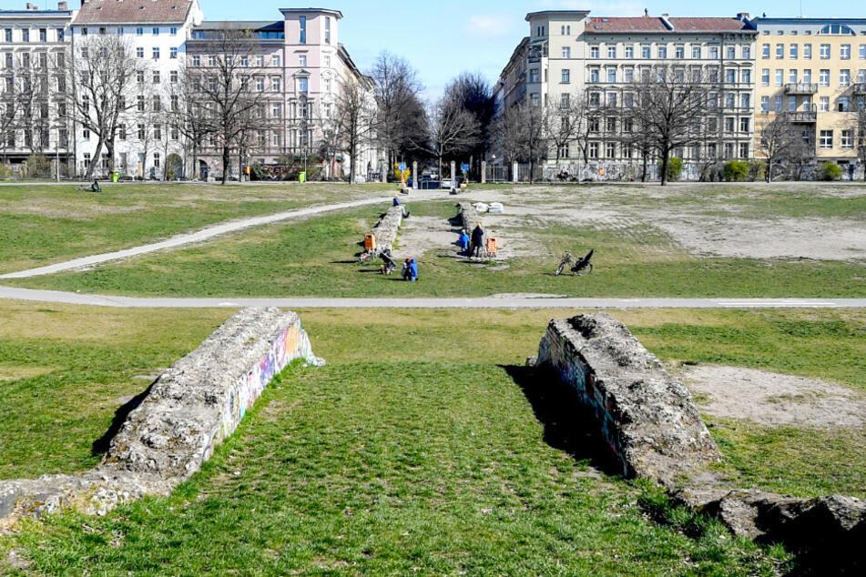 Mann beißt Frau im Görlitzer Park Teile von Wange und Nase ab!