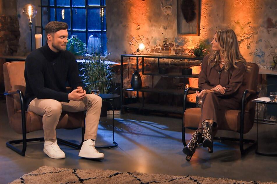 """""""Bachelor"""" Niko Griesert (30) musste sich Samstagabend im Talk """"Nach der letzten Rose"""" bei TVNOW den Fragen von Moderatorin Frauke Ludowig (57) stellen."""