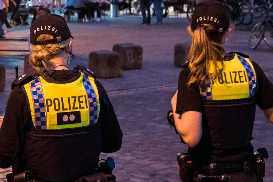 Die Polizei hatte in der Nacht zu Sonntag alle Hände voll zu tun. (Symbolbild)