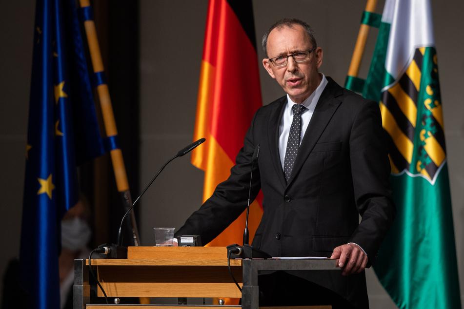 Jörg Urban, Fraktionsvorsitzender der AfD in Sachsen, spricht während einer Sondersitzung des Sächsischen Landtages.