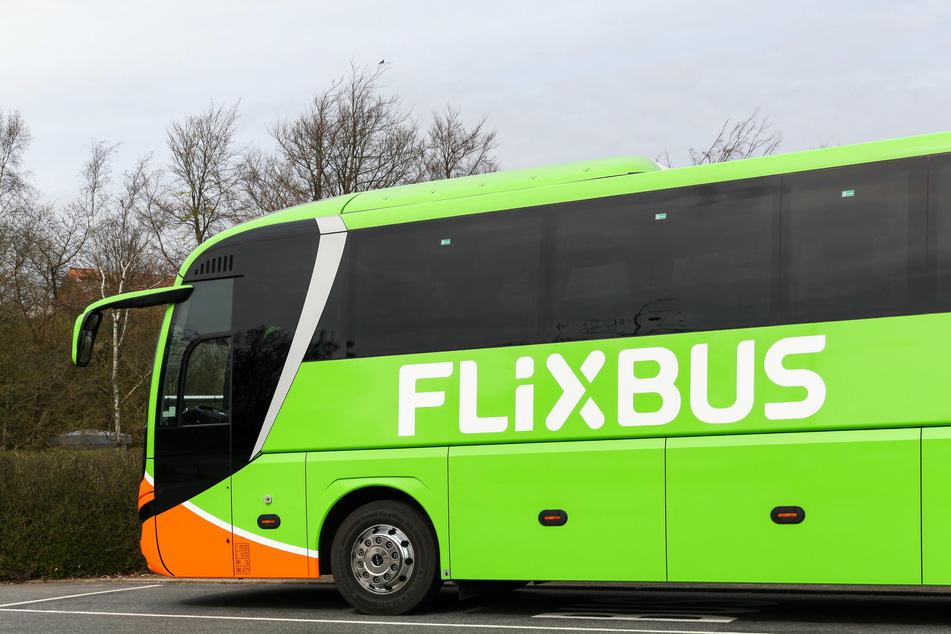 Flixbus bietet den zurückgelassenen Passagieren nun Gutscheine an. (Symbolbild)