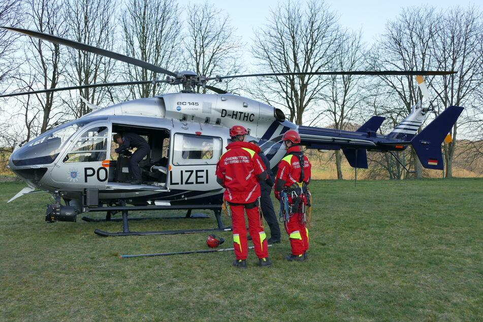 DieHöhenretter wurden mit einem Polizeihubschrauber zum Einsatzort geflogen.