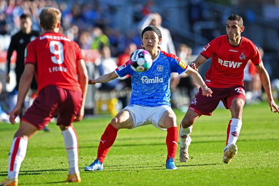 Jae-sung Lee (28, M.) scheiterte mit Holstein Kiel in der Bundesliga-Relegation am 1. FC Köln.