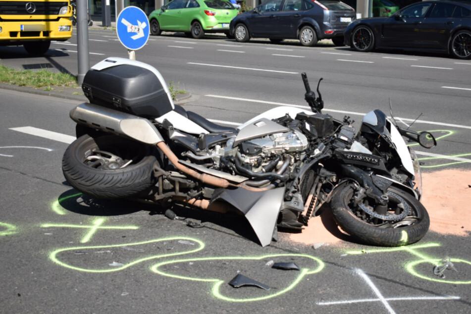 Der Motorradfahrer (47) wurde schwer verletzt ins Krankenhaus gebracht.