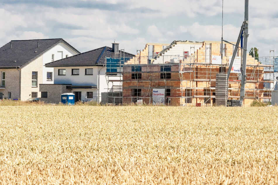 Wer in Dresden neu bauen will, zahlt deutlich mehr als im Umland.