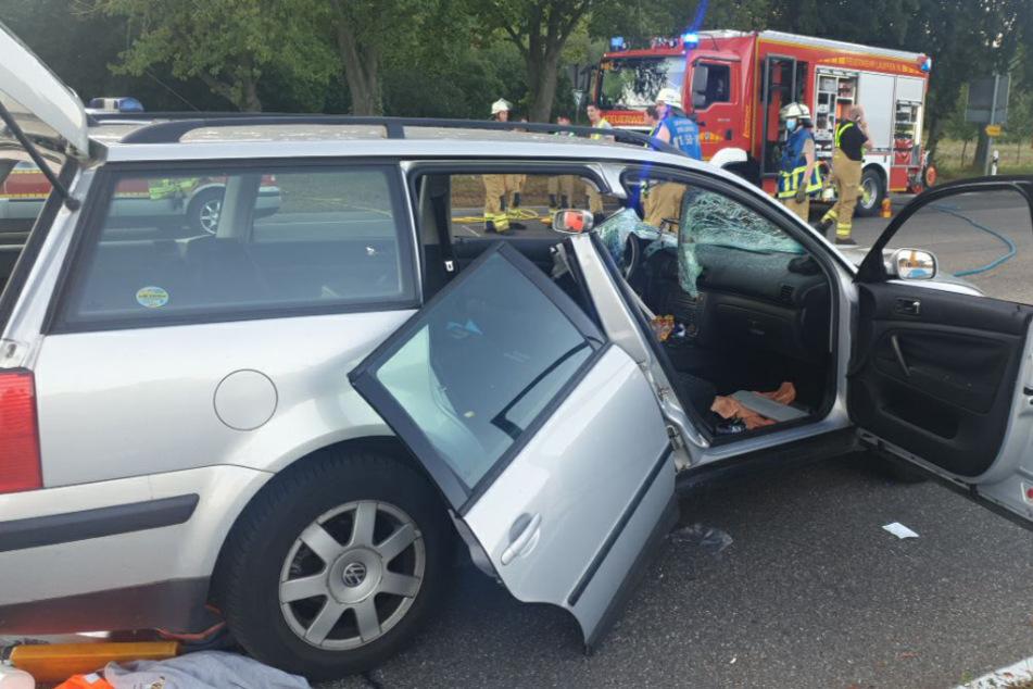 Das Auto erfasste den Radfahrer.