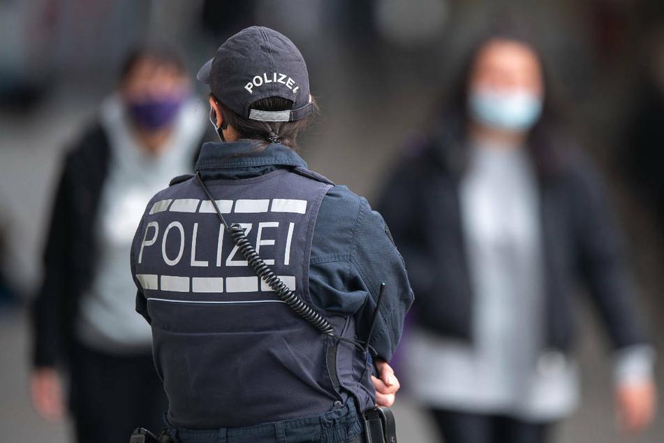 Die Polizei in Brandenburg hat bei Kontrollen der neuen Corona-Ausgangsbeschränkung für die Osterzeit bisher einen Verstoß registriert. (Symbolfoto)