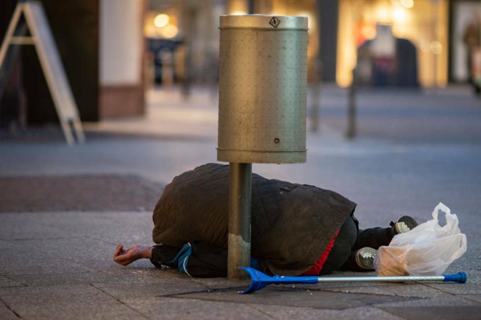 Keine Pfandflaschen, kein Geld: Obdachlosen bricht Lebens-Grundlage weg