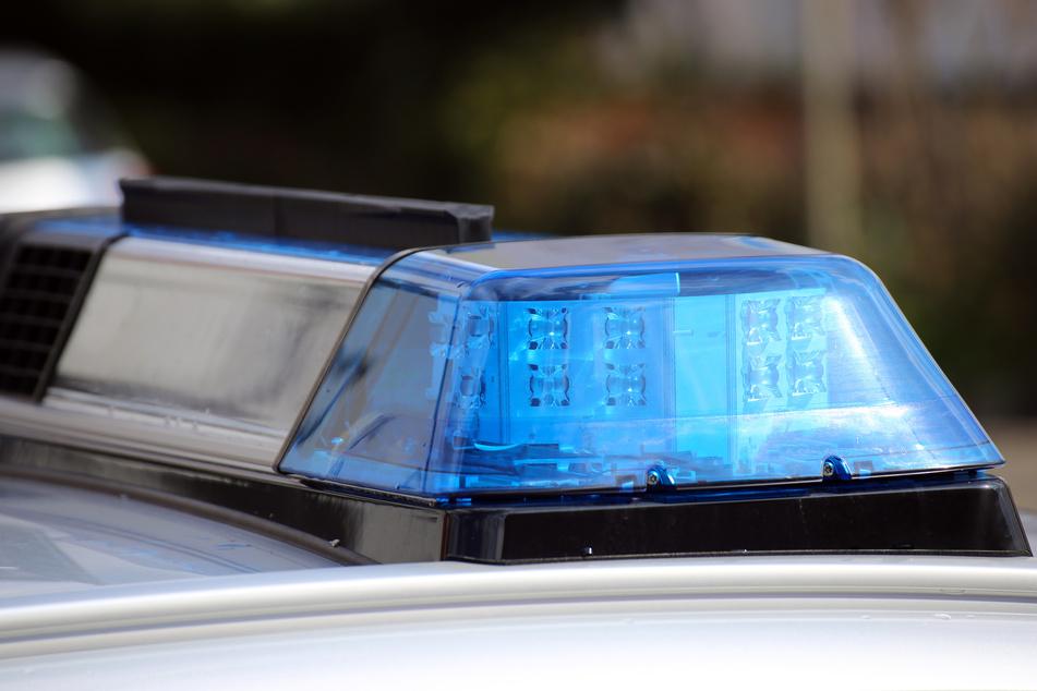 Die Polizei sucht Zeugen, die den Unbekannten möglicherweise beobachtet haben (Symbolbild).