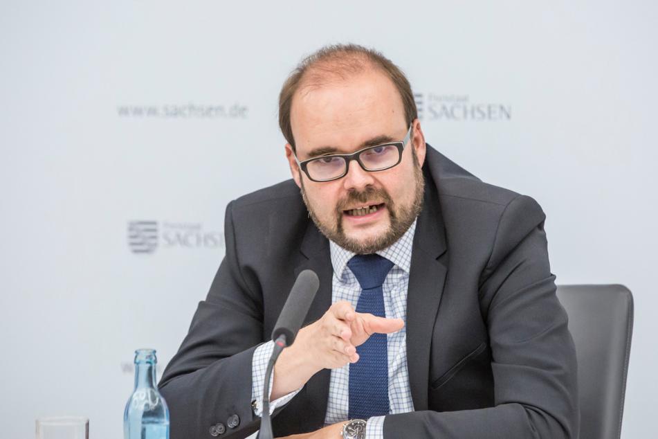 Sachsens Bildungsminister fordert Impfung für alle Lehrer in Sachsen