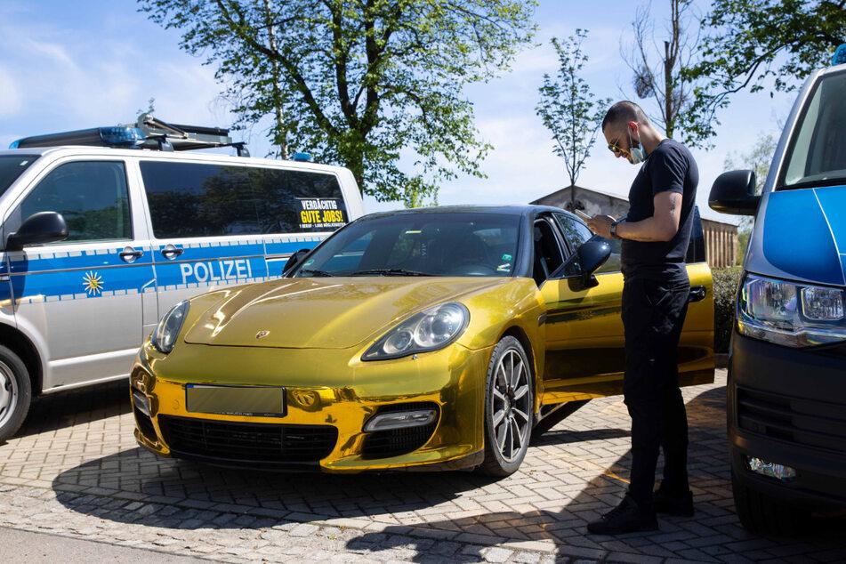 Boris Vasilev (28) war bereits am Montag auf dem Polizeiparkplatz in der Stauffenbergallee (Polizeirevier Dresden-Nord).