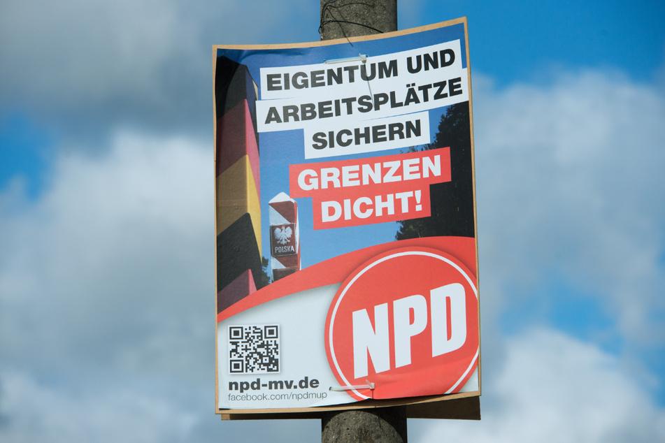 Die Täter klauten NPD-Plakate in der Sinsheimer Innenstadt. Der Schaden soll sich auf Hunderte Euro belaufen. (Archiv)