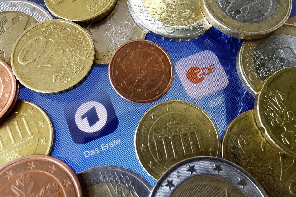 Der Rundfunkbeitrag könnte ab nächstem Jahr um 86 Cent auf 18,36 Euro steigen.