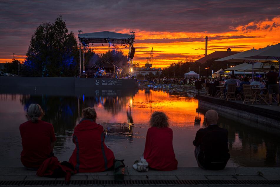 Es gibt kleine Lichtblicke: Am Wochenende gab es in Dresden Konzerte auf der Seebühne.