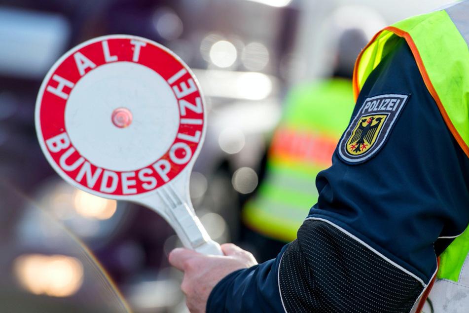 International gesucht! Bundespolizei nimmt drei Straftäter in Bayern fest