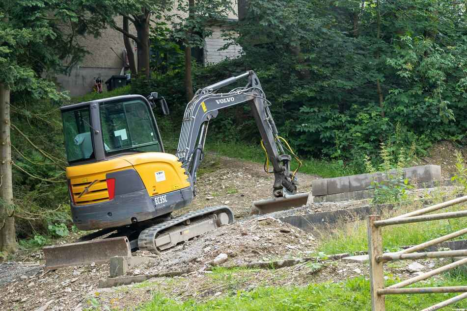 Für die 20.000 Euro teure Blockhütte wird derzeit das Fundament bereitet. Sie soll spätestens im Oktober eingeweiht werden.