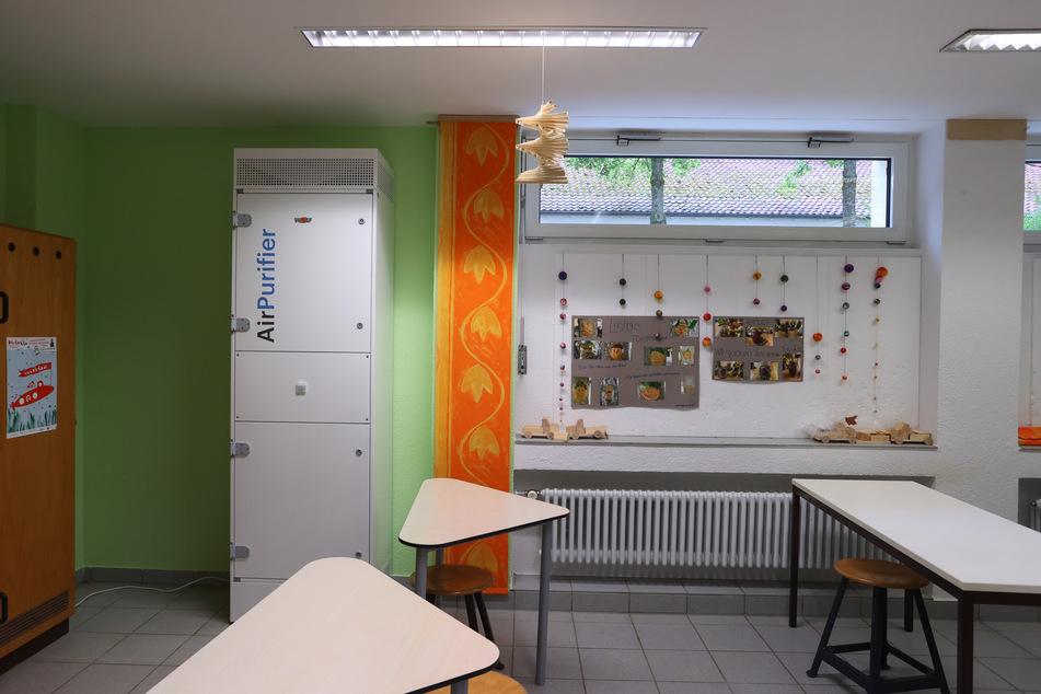 Nun ist klar: Zum Schulstart werden wohl zahlreiche Klassenräume in Bayern nicht mit entsprechenden Luftfiltern ausgestattet sein. (Symbolbild)