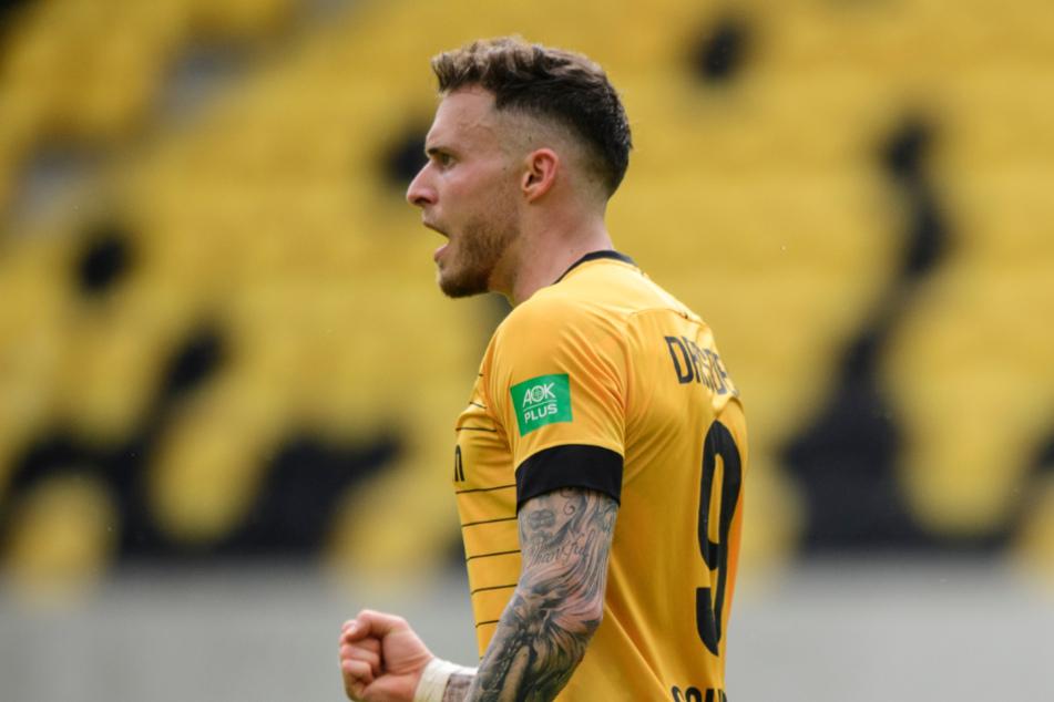 Angreifer Patrick Schmidt (27) jubelt nach seinem Tor für Dresden gegen Osnabrück. Zum Klassenerhalt reichte es für die SGD dennoch nicht.