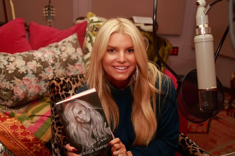 """In ihrer Autobiografie """"Open Book"""" sprach Jessica Simpson (40) erstmals über ihre schlimme Vergangenheit."""