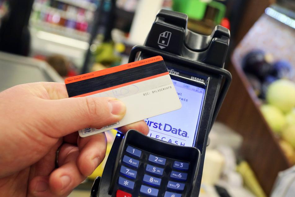Aktuell findet jede zweite Girocard-Zahlung kontaktlos statt.