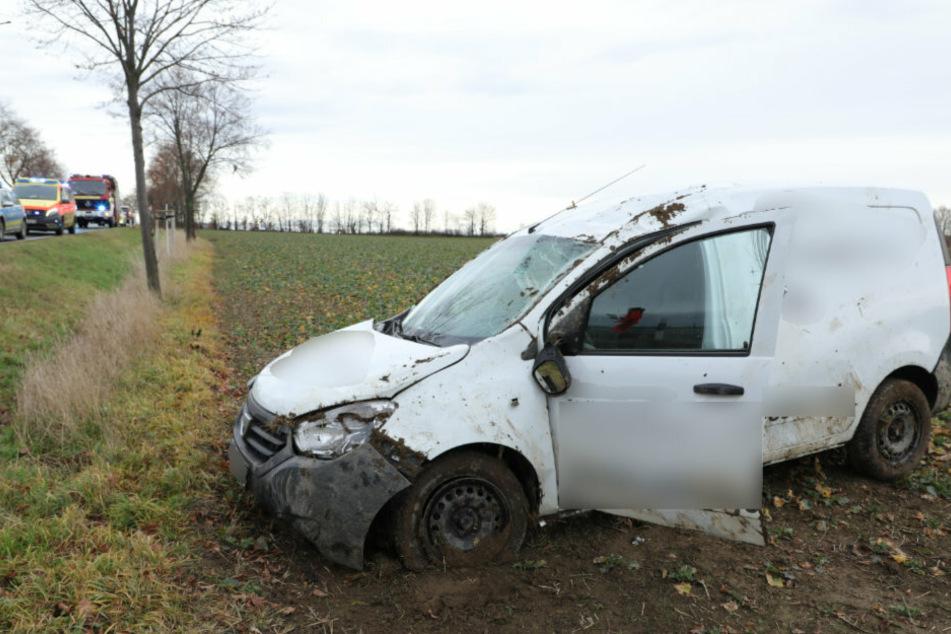 Glück im Unglück: Der Dacia überschlug sich. Der Fahrer des Wagens kam mit leichten Verletzungen davon.